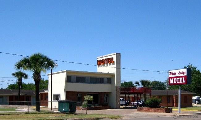 White Lodge Motel/Motor Court - El Campo TX